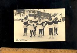 X2 Cartes Photo MEGEVE Haute Savoie 74 : Fillettes Déguisés En Patin à Glace Sur La Patinoire Patineuses Ice Skating - Megève