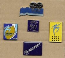 LOT 5 PIN'S UEFA FIFA - Football