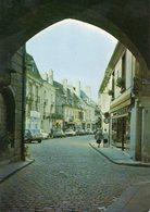 Semur-en-Auxois. Rue Buffon. Automobiles Renault 5 Etc. - Semur