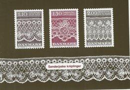 Laces On Postcard. Denmark   B-3317 - Postcards