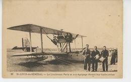AVIATION - AFRIQUE - SENEGAL - SAINT LOUIS DU SÉNÉGAL - Le Lieutenant PARIS Et Son équipage Devant Leur Hydro - Avion - Aviatori
