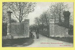 * Gaillon (Dép 27 - Eure - France) * (Phot A. Lavergne Vernon) Entrée De La Chartreuse, Animée, Rare, Old, CPA, Unique - Frankreich