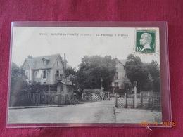 CPA - Saint-Leu-la-Forêt - Le Passage à Niveau - Saint Leu La Foret