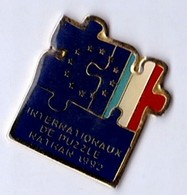 PIN S INTERNATIONAUX DE PUZZLE NATHAN 1992 - Games