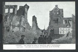 +++ CPA - LOUVAIN - LEUVEN - Guerre - Une Vue Sur Les Ruines De St Pierre Après Le Bombardement   // - Leuven