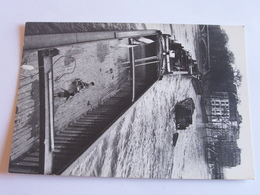Les Photographes De Paris - Willy Ronis - La Péniche Aux Enfants - 1959 - Photographie