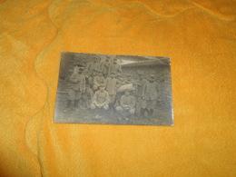 CARTE POSTALE PHOTO ANCIENNE CIRCULEE DE 1915. / ACCEPTE PETIT SOUVENIR Cal. 34e COMPAGNIE 128e INFANTERIE AUX ARMEES ME - Regiments