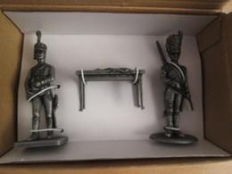 FIGURINE NAPOLEONIENNE 1805 EN ZAMAC DE MARQUE MHSP / ARTILLEUR DE LA GARDE + OFFICIER D'ORDONNANCE DE MURAT - Army