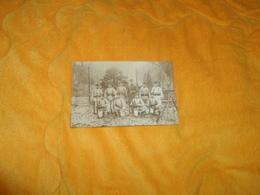 CARTE POSTALE PHOTO ANCIENNE CIRCULEE DATE ?.../ REGIMENT OU COMPAGNIE A IDENTIFIER  LIEU NON SITUE PARC ?.. - Regiments