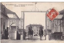 RAMBOUILLET,,,,12 é  REGIMENT Des  CUIRASSIERS ,,,,L' ENTREE Du  QUARTIER,,,,,,,VOYAGE  1913,,,,TBE,,,,rare - Reggimenti