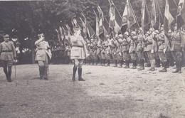 Carte Photo Le Maréchal Philippe Petain Et Le General Mangin Passant En Revue Un Regiment - Personnages
