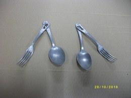 2 Lots D'un Ensemble Cuilère/fourchette Couvert De Poilu - Equipement