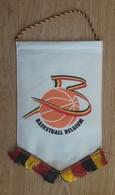 Pennant Basketball Federation Of BELGIUM 17x27cm - Habillement, Souvenirs & Autres