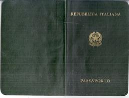 REPUBLICA ITALIANA   PASSAPORTO  1983 -CONSOLATO GENERALE D'ITALIA IN MARSIGLIA Résident à HYERES VAR - Mappe