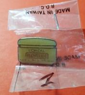 Pin's : L'Oréal Plénitude Creme  (cosmétique)  Joli Dans Son Emballage - Perfume