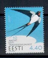 ESTONIA 2001 - FAUNA - UCCELLI - RONDINE - DECENNALE INDIPENDENZA - MNH ** - Estonia