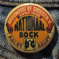 Pin Button Badge Ø38mm ( Ancienne Bière - Bier - Beer ) ALOST #11 - Bière
