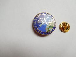 Superbe Pin's En EGF , Espace , CNES , Mission Antarés , Non Signé - Space