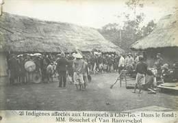 TONKIN /VIET-NAM - 21- Indigènes Affectés Aux Transports à Chogo (photo Ancienne Format 16,8cm X 11,8cm). - Plaatsen
