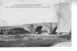 PONT L'ABBE  PICAUVILLE  Gabare Rentrant Au Port - France