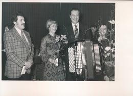 BOTTELARE   FOTO 1973 - 74  18 X 13 CM -  HULDE AAN SENATOR BURGEMEESTER PEDE TE BOTTELARE - Merelbeke