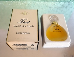 """Miniature  """"FIRST """" De VAN CLEEF&ARPELS Eau De Parfum 5 Ml Dans Sa Boite  (M076-2) - Miniatures Womens' Fragrances (in Box)"""