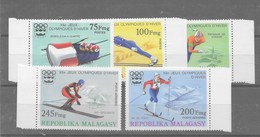 2 Series De Madagascar Nº Yvert 573/75 Y A-160/61 **   DEPORTES (SPORTS) - Madagascar (1960-...)