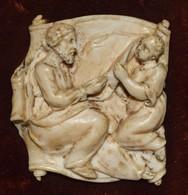 Ancien Médaillon Sculpter En Bas-relief Scène Religieuse - 18e Siècle - Sculptures