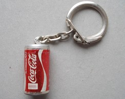 - Porte-clefs. COCA COLA - - Porte-clefs