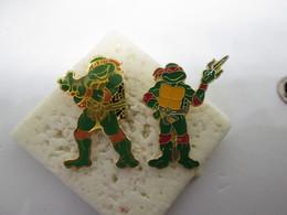 PIN'S    2 Tortues Ninja - Fumetti