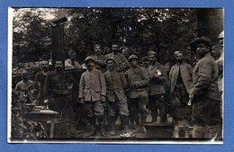 Carte Photo  --  Soldats Francais Devant Une Cuisine Roulante   -  7/8/1916 - Weltkrieg 1914-18