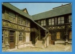 76 - Rouen - L'aître Saint-Maclou Ancien Charnier Du Moyen-Age - Actuellement école Des Beaux-Arts - Carte Vierge - Rouen