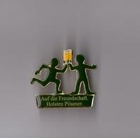 Pin's Bière Holsten Pilsener (version Auf Die Freundschaft) époxy Longueur: 3,2 Cm - Beer
