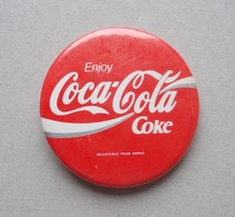 - Badge. COCA COLA - - Coca-Cola