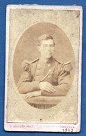 Photo  -  Soldat Français   - Atelier E . Guillon  -  Issoudun  -  1877 - Guerre, Militaire