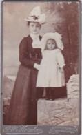 ANTIQUE CDV PHOTO.  MOTHER @ CHILD. BOTH WEARING HATS . NEW BROMPTON STUDIO - Photographs