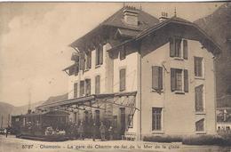 74 CHAMONIX MONT BLANC GARE DEPART TRAIN A CREMAILLERE DU MONTENVERS GLACIER DE LA MER DE GLACE  ED  BURGY 5737 - Chamonix-Mont-Blanc