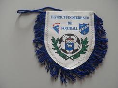 Fanion Football - DISTRICT FINISTERE SUD - Habillement, Souvenirs & Autres