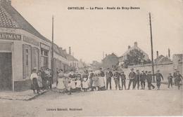 """CPA Ghyvelde - La Place - Route De Bray-Dunes (très Belle Animation Devant Café """"A L'Espérance"""") - Autres Communes"""