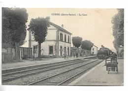 70 - Corre  ( Haute-Saône ) - La Gare  - Train En Gare - Autres Communes