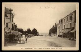 44 - Préfailles - Pornic Place Du Marché Et Route De La Plage Hotel Saint Paul #01538 - Préfailles