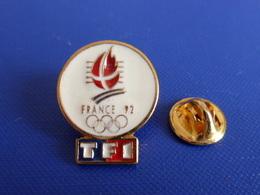 Pin's Jeux Olympiques Albertville 1992 - JO D'hiver France 92 - TF1 - Média Télévision (PH60) - Olympic Games