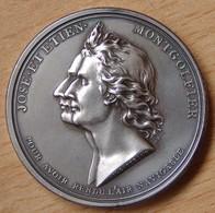 Médaille  Premier Vol En Aérostat Des Frères Montgolfier 1783 / Frappe Après 1880  (attribuée AVIATION ANGERS 1910) - Professionals / Firms