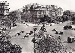PARIS – Place Denfert-Rochereau ( Traction Camionnette CITROEN H  4CV DAUPHINE Pharmacie …) - Places, Squares