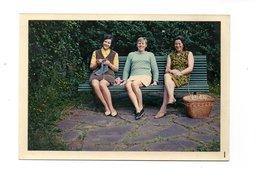 PHOTO DE FAMILLE . JEUNES FEMMES . TRICOT . FAMILLE FOURNIER - Réf. N°19852 - - Persone Anonimi