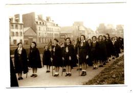 Thème SCOUTISME - SCOUTS Défilant (vers 1950) Photo D'archive Bretagne - à Localiser - Scouting