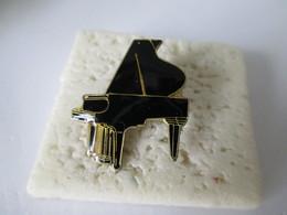 PIN'S   Piano - Music
