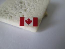PIN'S   Drapeau  CANADA - Music