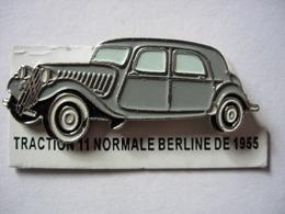 PIN'S TRACTION 11 NORMALE BERLINE DE 1955 ESTAMPILLE EDITIONS ATLAS - Pin's