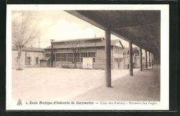 CPA Constantine, Ecole Pratique D'Industrie, Cour Des Ateliers, Batiment Des Forges - Alger